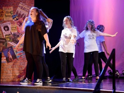 Perfoming Arts Productions - We will rock you!